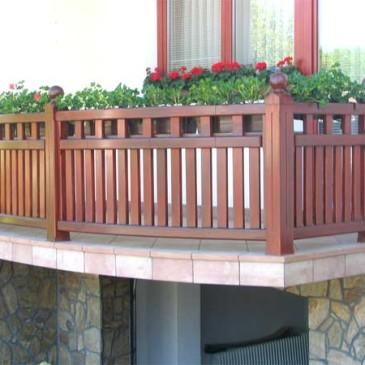Lesene balkonske ograje