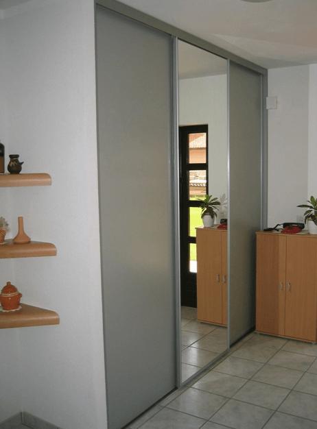 vgradna omara za predprostor