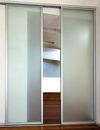 Če bi svoje stopnišče radi zaprli z drsnimi vrati