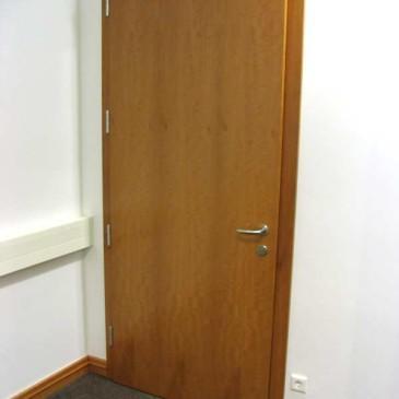 Pred izdelavo notranjih drsnih vrat je dobro vedeti…