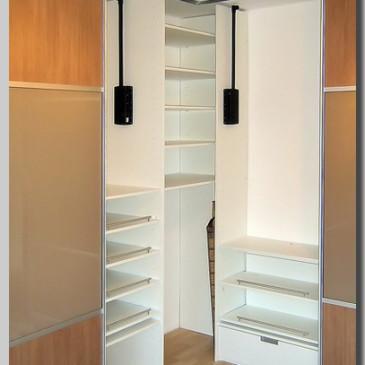 12 primerov razporeditve notranjosti vgradnih omar