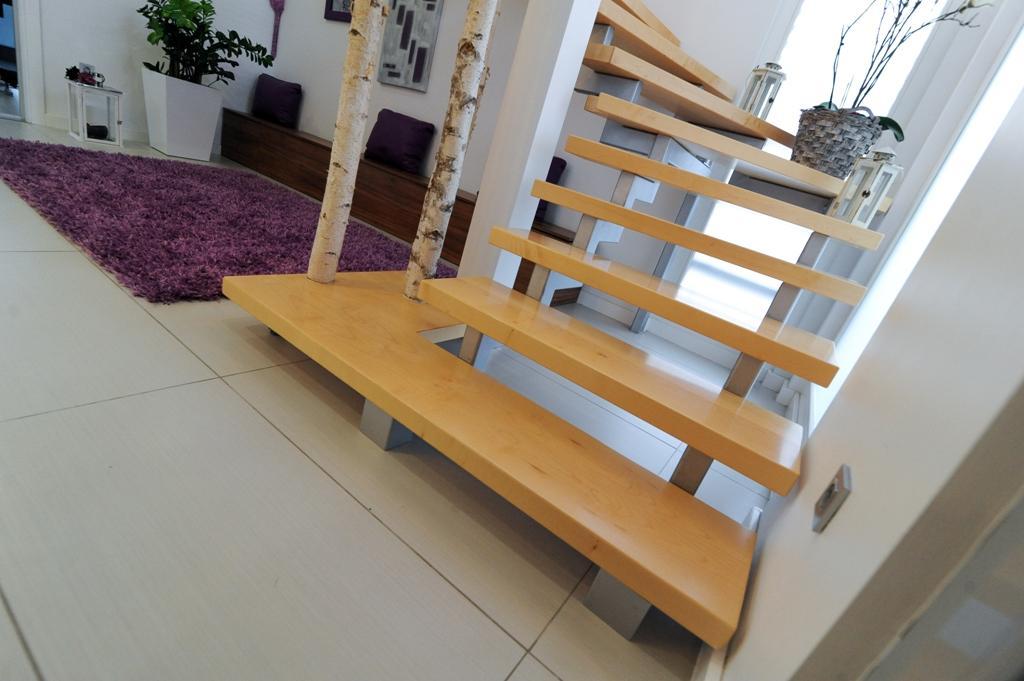 prenova lesenih stopnic cena