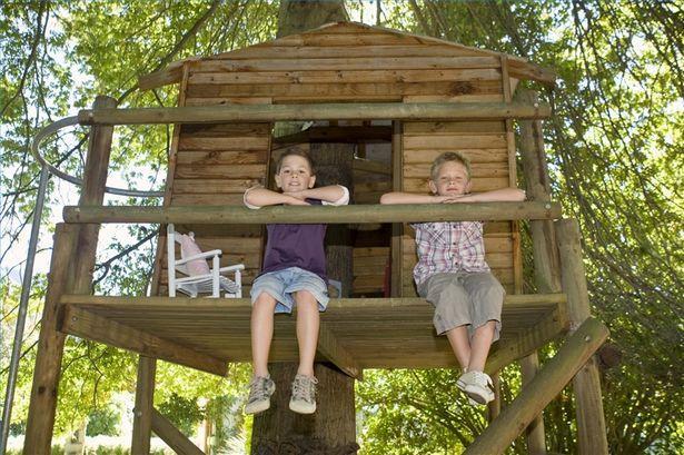 izdelava lesene otroške hišice
