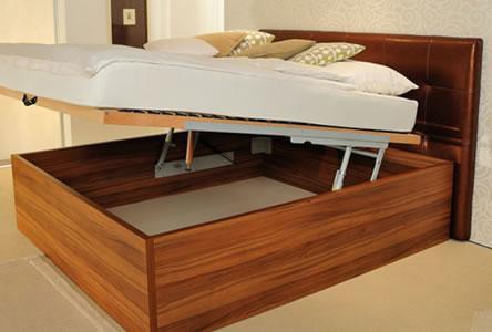 Predstavitev dveh modelov dvižnih postelj