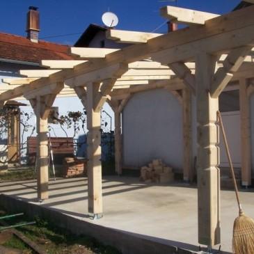 3 ideje za lesene nadstreške letnih teras