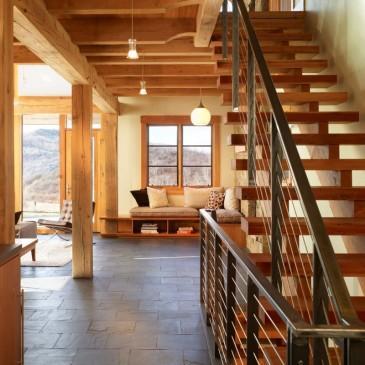 Lesene stopnice in stopnišča za lokale