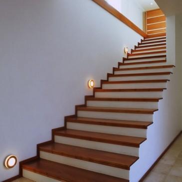 Montaža in izdelava lesenih stopnic na beton
