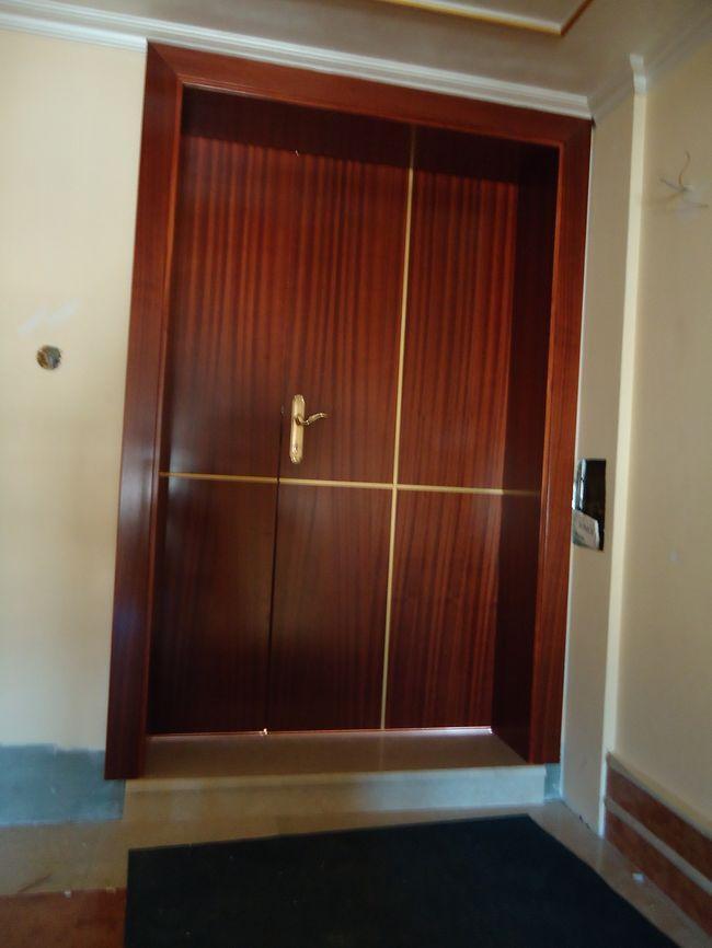 izdelava notranjih lesenih vrata za poslovne prostore