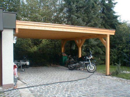5 primerov lesenih nadstreškov za avto