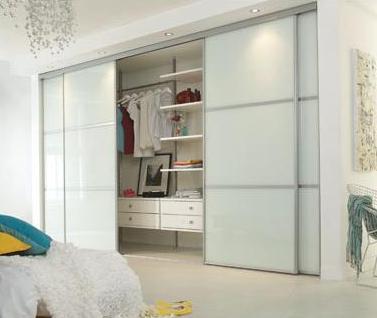 Kako vse je mogoče postaviti vgradne omare