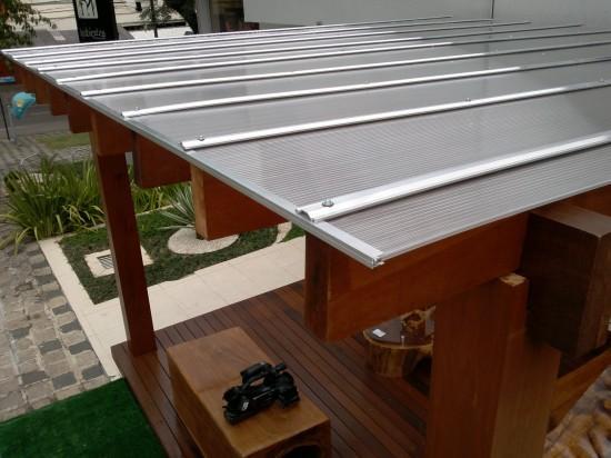 leseni nadstreški za terase in avto