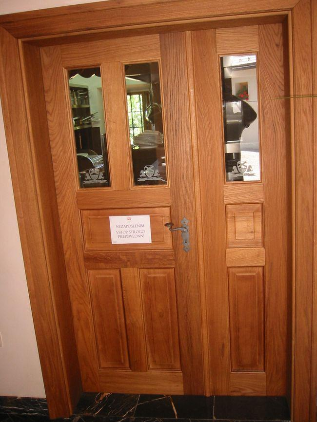 izdelava vhodna vrata lesena s stekli