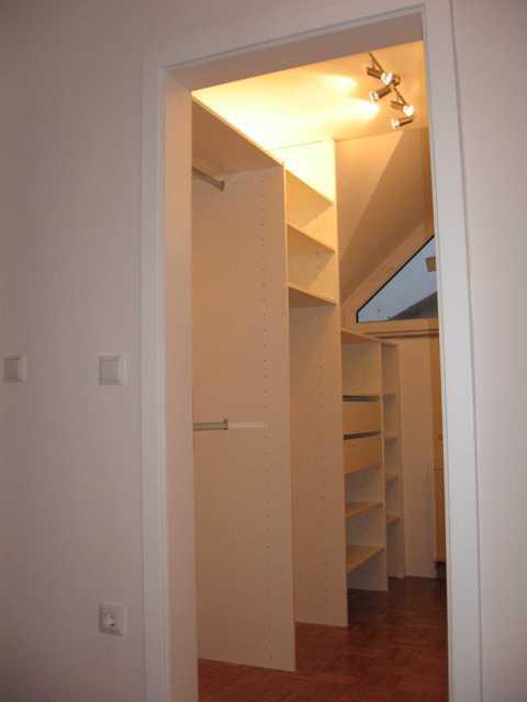 garderobne sobe v mansardi