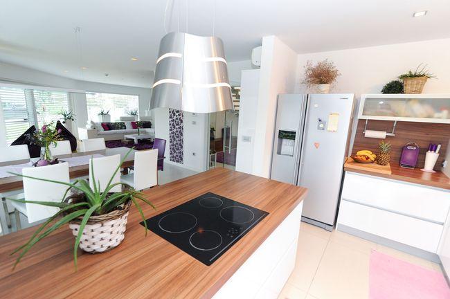 izdelava moderne kuhinje po meri dolgoletne izku nje. Black Bedroom Furniture Sets. Home Design Ideas