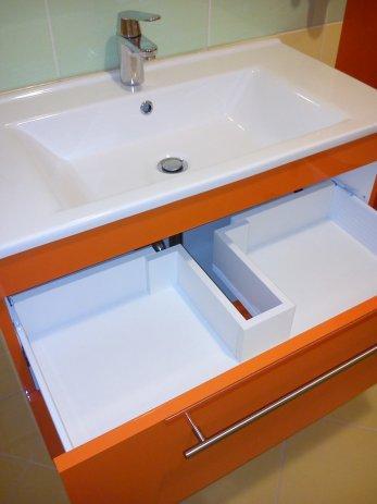 Ideje za barvito kopalniško pohištvo