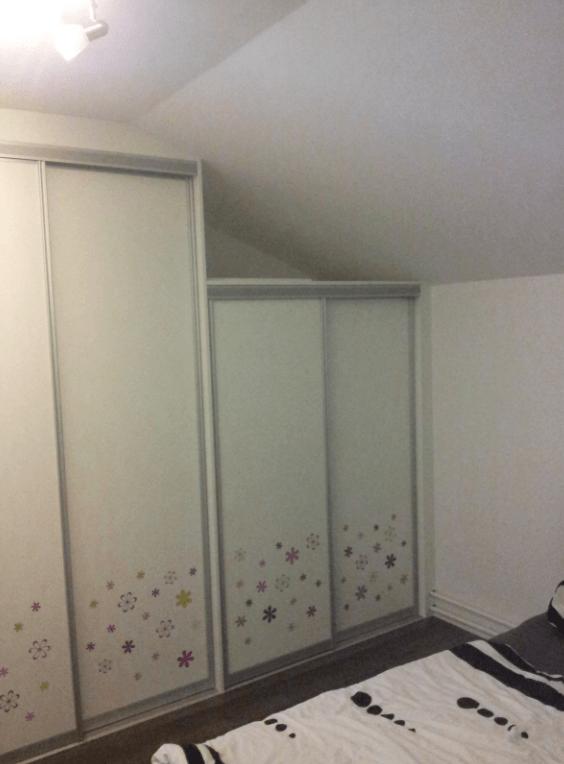 vgradna omara za otroško sobo