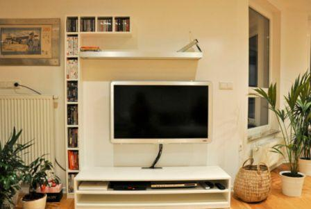 5 primerov enostavnih regalov za dnevne sobe