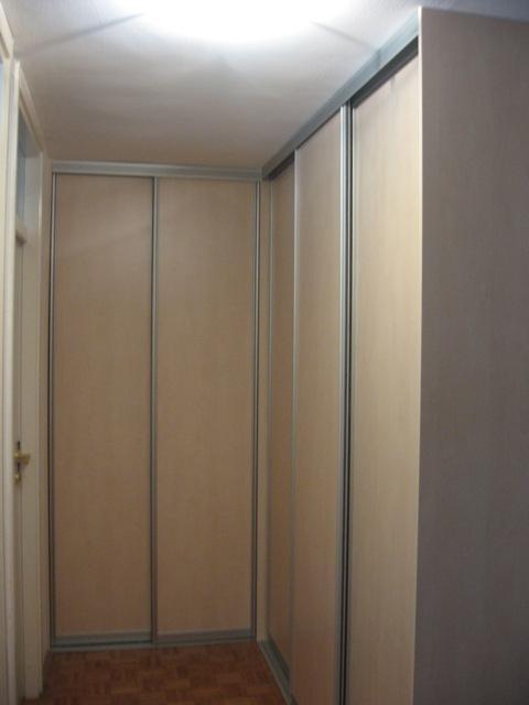 kotne omare z drsnimi vrati