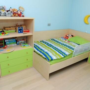 Kako smo s pohištvom po meri, na eleganten način, opremili otroško sobo