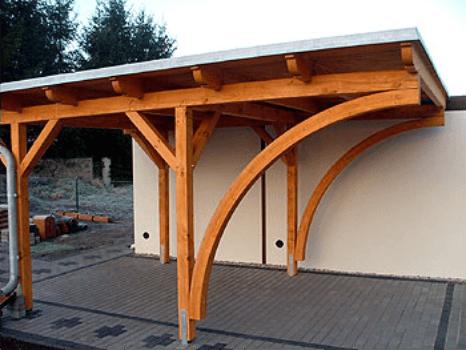Nadstreški iz naravnega ali lepljenega lesa