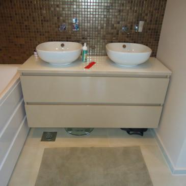 Kako v kopalnici maksimalno izkoristiti prostor