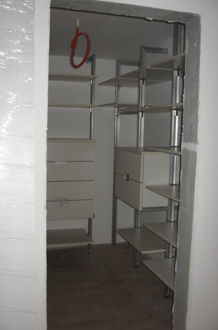 garderobna soba majhna