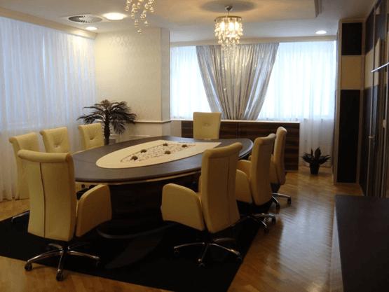 eksklzivno prestižno pisarniško pohištvo po meri