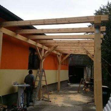 Ideje za urejanje okolice hiše z nadstreški