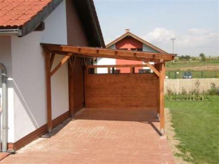 Še en primer lesene nadstrešnice z lopo