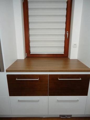 kuhinja desni del okno izvedba