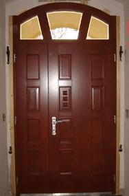 večja vhodna vrata