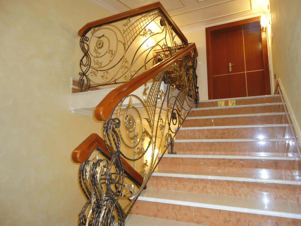Opremljanje stopnišča