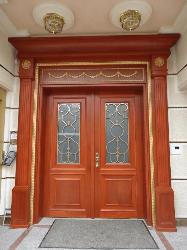 izdelava luksuznih vhodnih vrat za hotele