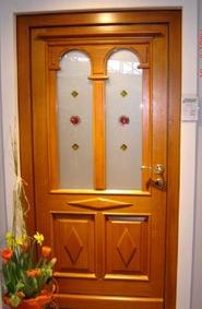 klasična vhodna vrata prestiž