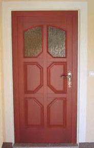 klasična vhodna vrata