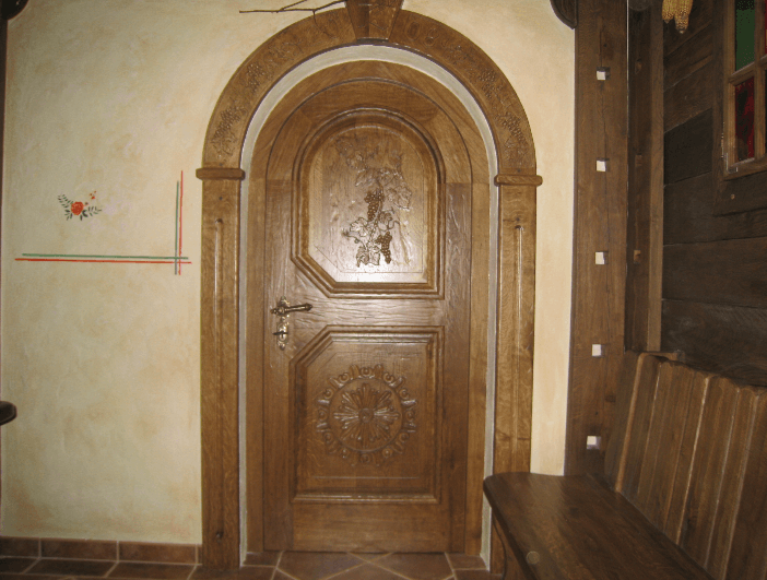 kletna vrata podboj lesena obroba