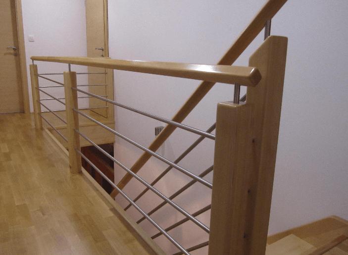lesene stopnice ograja detajl