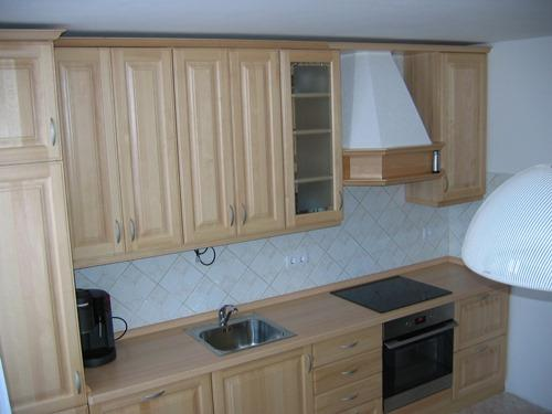 izdelava kuhinje iz masivnega lesa