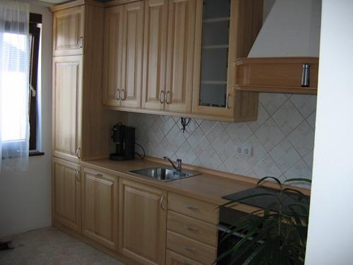 kuhinje iz masivnega lesa