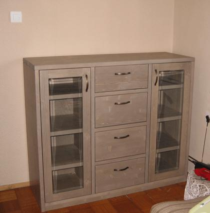 nižja komoda za dnevno sobo ali jedilnico
