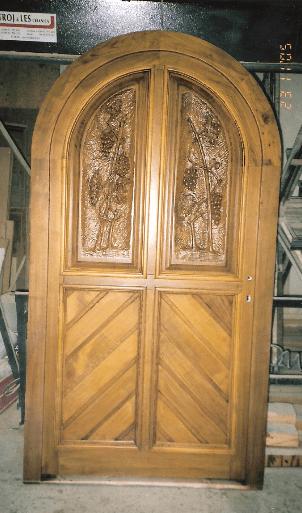 polkrožna vrata za klet