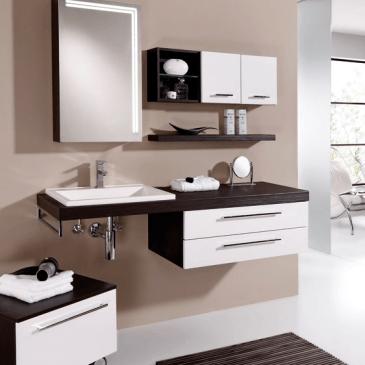 Štirje tipski kopalniški bloki za moderno kopalnico