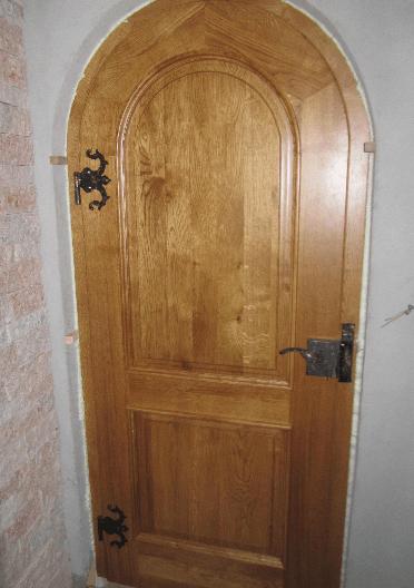 vrata za klet z gladko površino