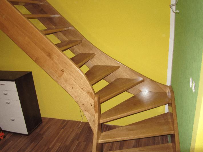 zavite lesene stopnice