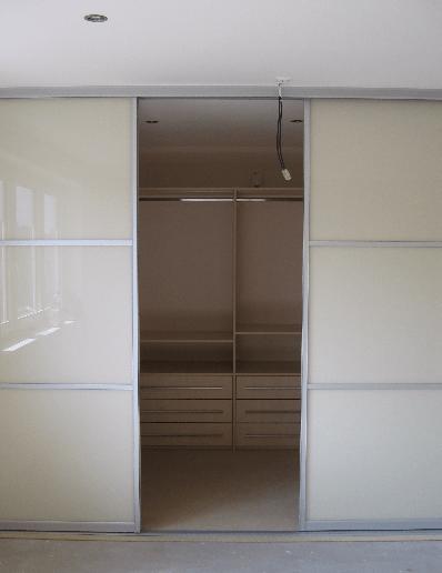 garderobna soba vgradna