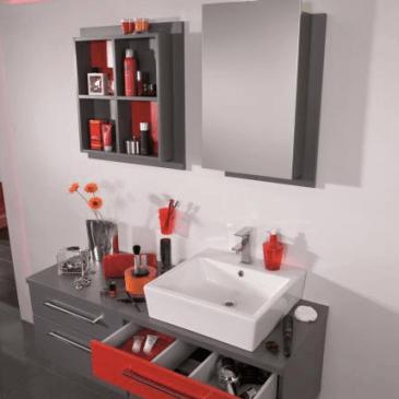 4 različne barvne kombinacije kopalniških omaric ravnih linij