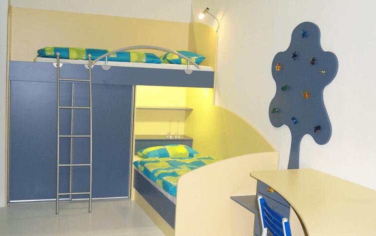 nadstropna-postelja-otroška-soba