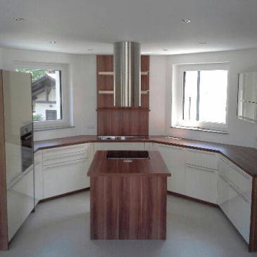 3 primeri opremljanja kuhinj v nevsakdanjih prostorih