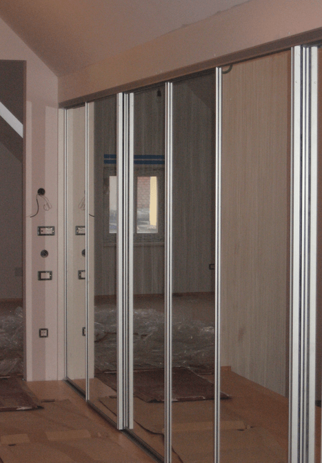 vgradna omara ogledalo
