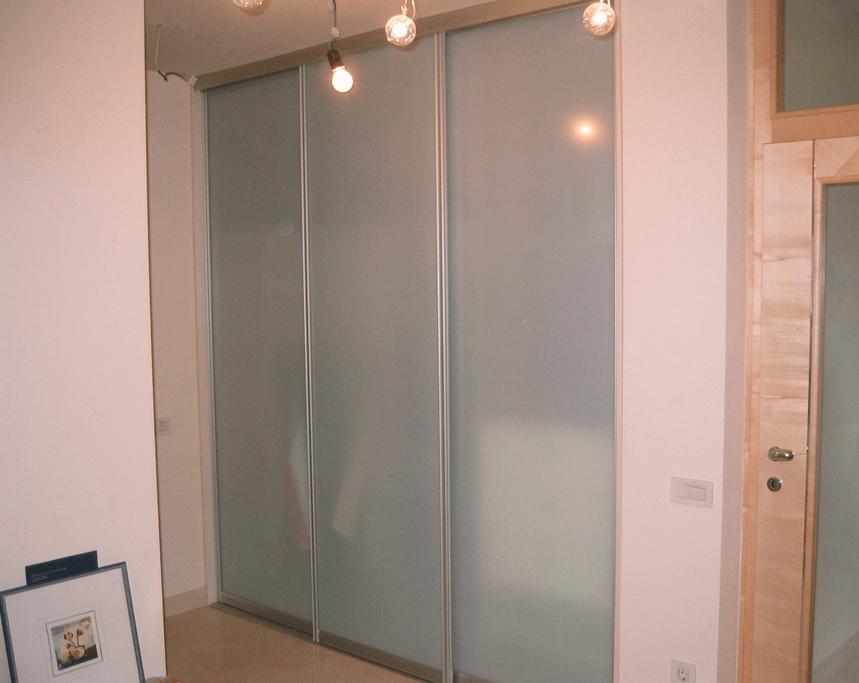 vgradna omare steklo